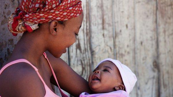 Zašto bebe u Africi ne plaču?