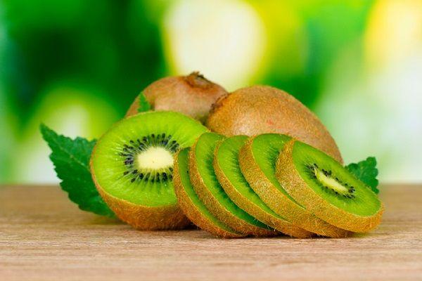 Benefits-of-eating-green-kiwi-fruit