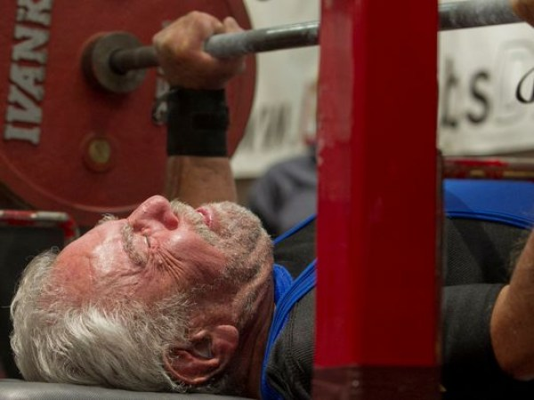 old-weightlifter-Wat