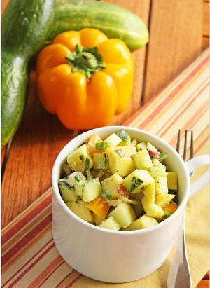 Slatko-kisela salata od krastavaca