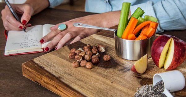 Manje jela usporava starenje?