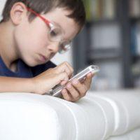 Deca i mobilni